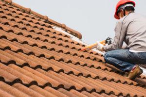 Roofer repair roof leak